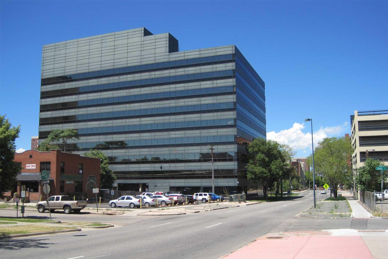 2010-11-30_chavez2