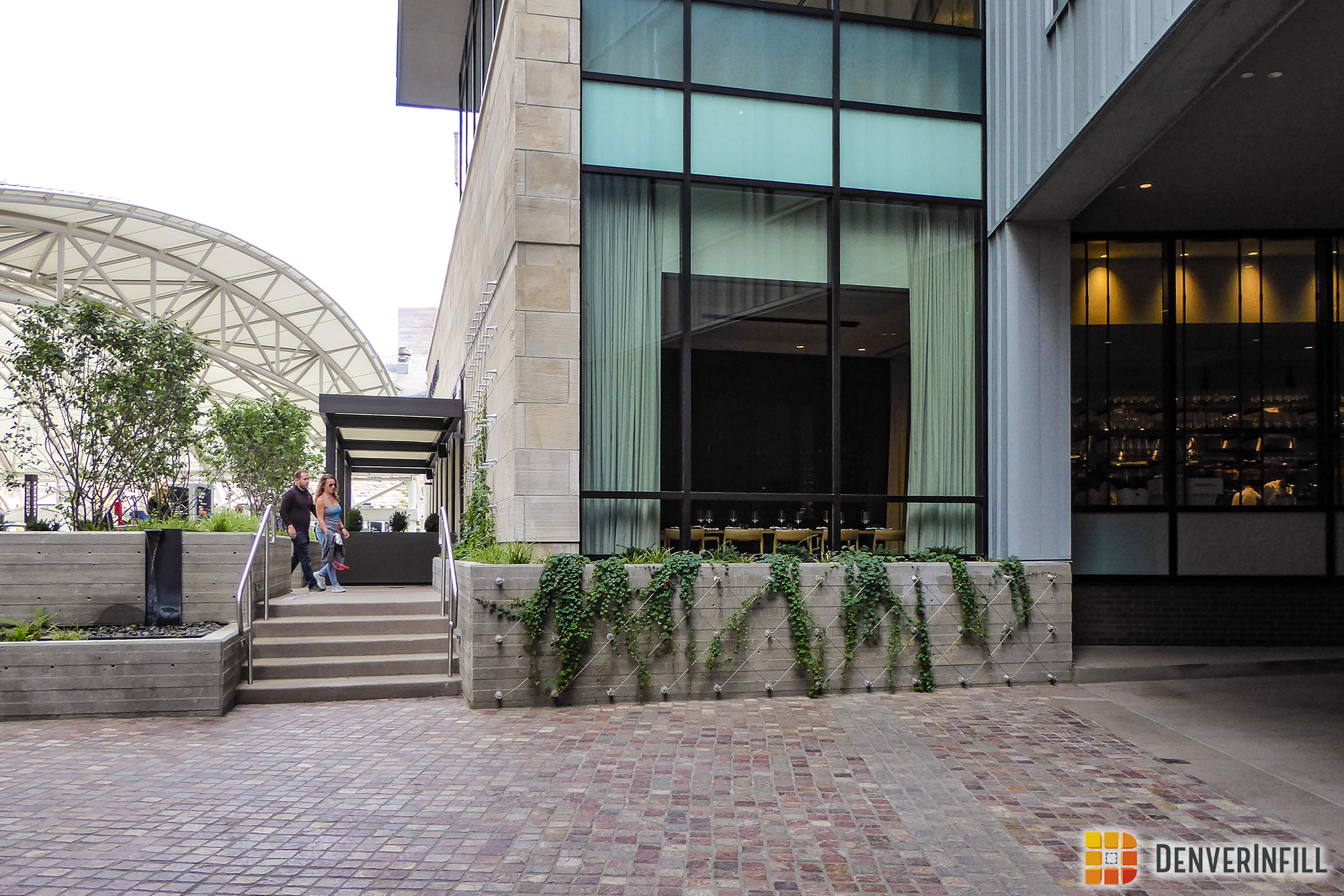 Landscaped pedestrian areas around Hotel Born