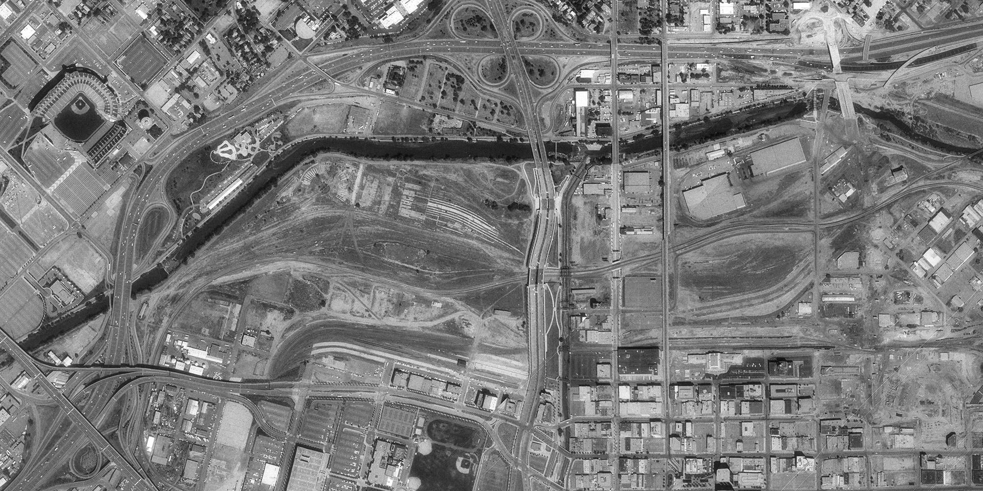 Aerial image of Denver's Central Platte Valley in 1992
