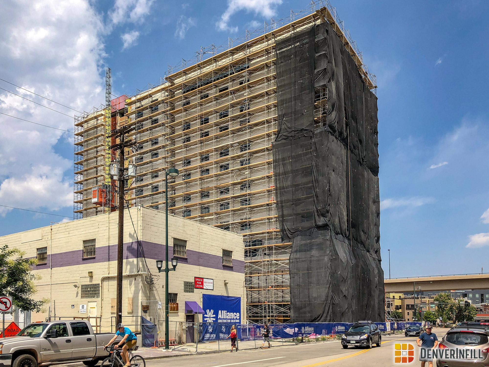 View of Hilton Garden Inn DUS from near 19th Street