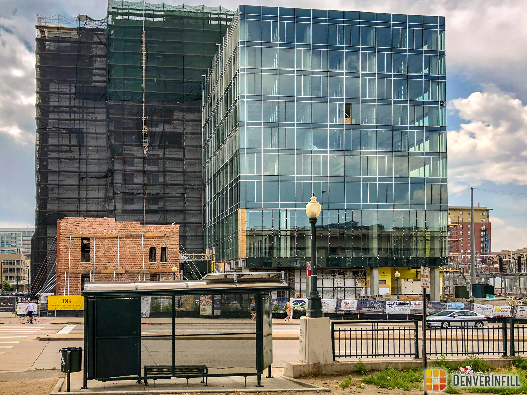 View from across 20th Street of Hilton Garden Inn DUS under construction