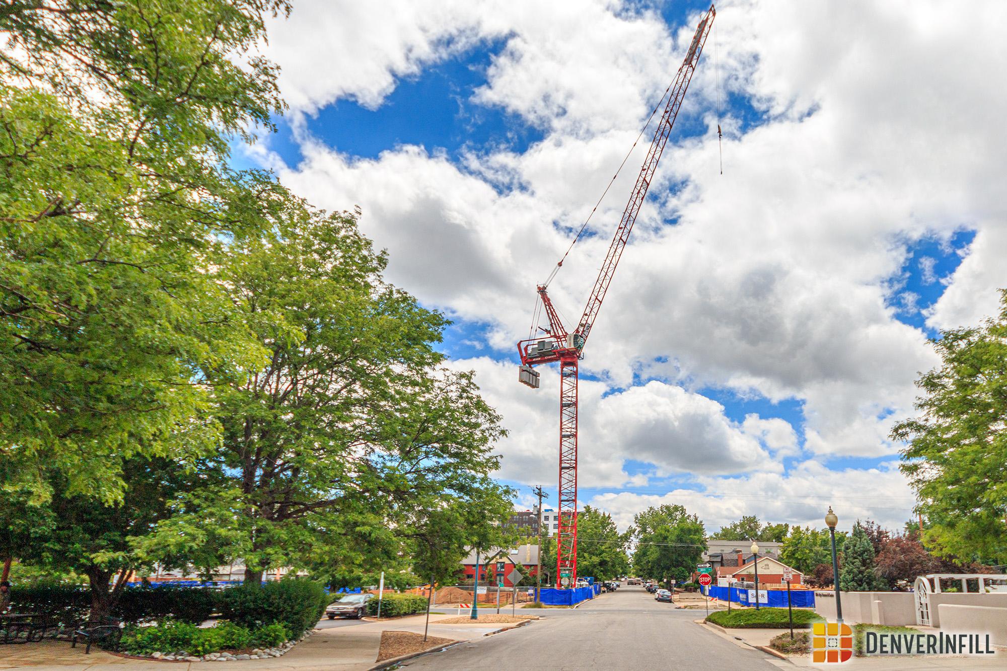 Broadstone Uptown East - Luffer Crane